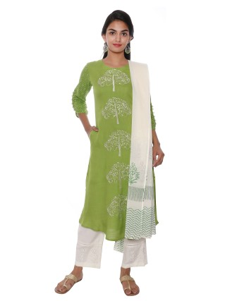 SUTI WOMENS RAYON SLUB EMBROIDRED A  LINE KURTI, HERBAL GREEN